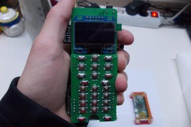 ZeroPhone on Raspberry Pi:stä rakennettu puhelin