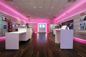 T-Mobile USA adds 1 million customers as new plans and prices pay off